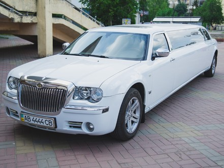 Лімузин Chrysler 300С