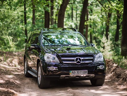 Джип Mercedes-Benz GL 320